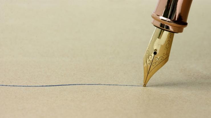 ink-pen-writing